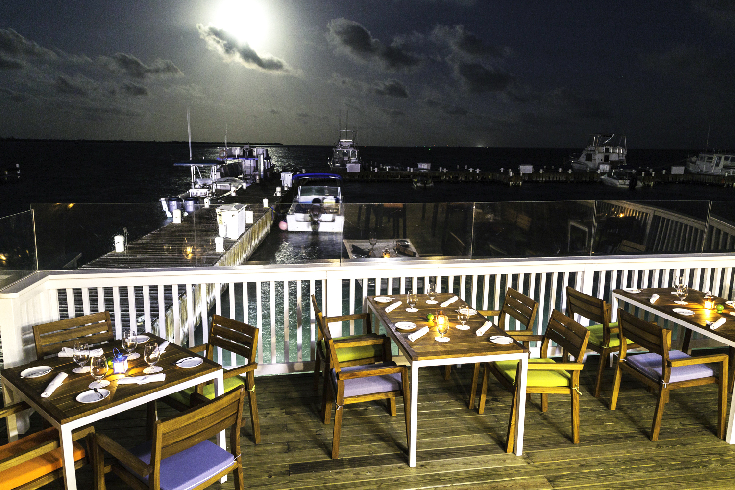 Catch Deck Full Moon Night time